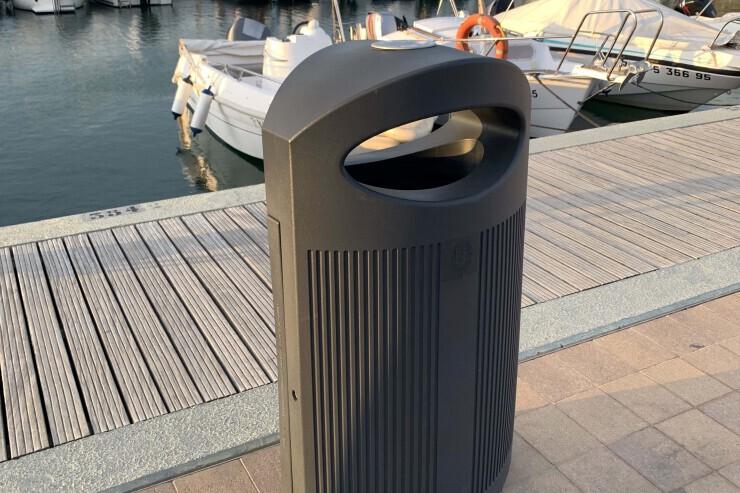 Ruime afvalbak Ibiza voor  in wandelgebieden