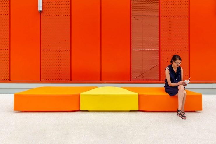 Lungo bank geven een kleurrijke en speelse toevoeging