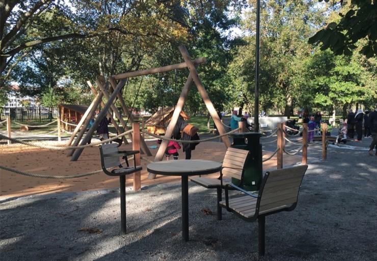 Parco kinderstoel geschikt voor binnen en buiten