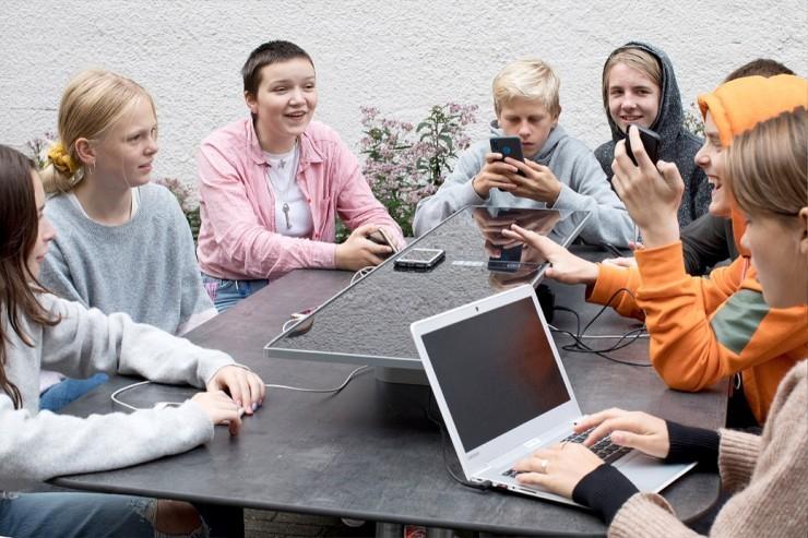 Met de 'SunHub' wordt de Plateau Picnicktafel een echte sociale 'hub'