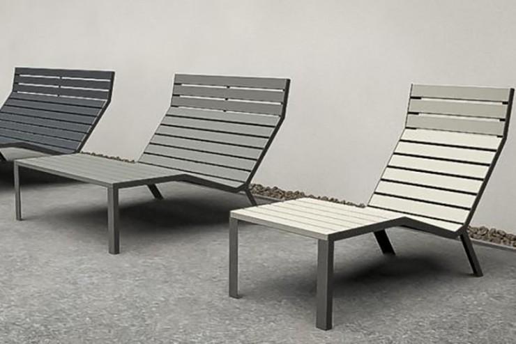 Lounge stoel bank easy ontspannen in de openlucht in een houten stoel in publieke gelegenheid ruimte openbare tuin park terras oever rivier loungen chillen hangen uitrusten in buitenlucht stoel groen rood blauw grijs zwart oranje