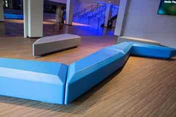 Coffin Lounge bank kent een stijlvolle en speelse uitstraling