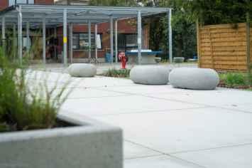 IO zitelement voor pleinen en parken