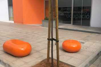 IO zitelement beton - felle kleuren beschikbaar