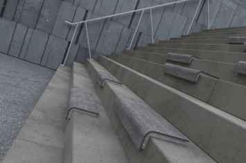 Il Posto bank - zitvlak te plaatsen op traptreden