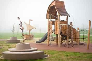 Loop Bank Rond met Rugleuning bij speeltuinen en parken