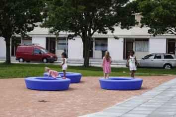 Loop bank rond is kindvriendelijk door veilig afgeronde vormen