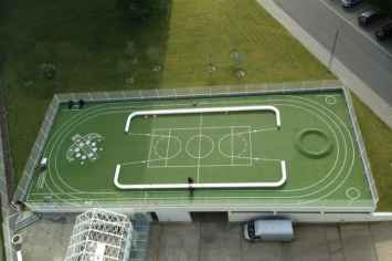 Loop Line Bank als afbakening van een voetbalveld