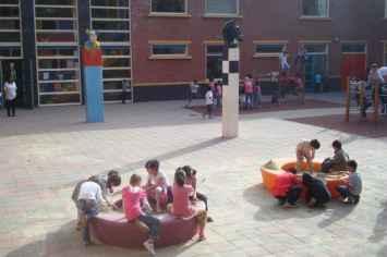 Loop zandbak brengt kinderen samen