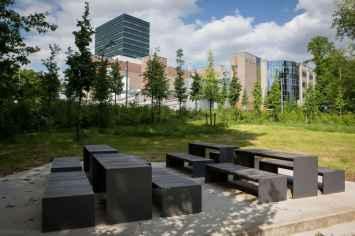 Passepartout Wood bank voor de openbare buitenruimte