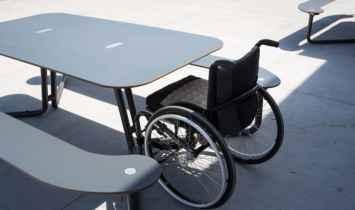 Plateau-I picknicktafel geschikt voor elke openbare ruimte