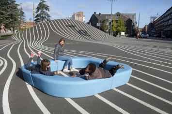 Loop Corner Bank voor in speeltuinen en openbare ruimtes