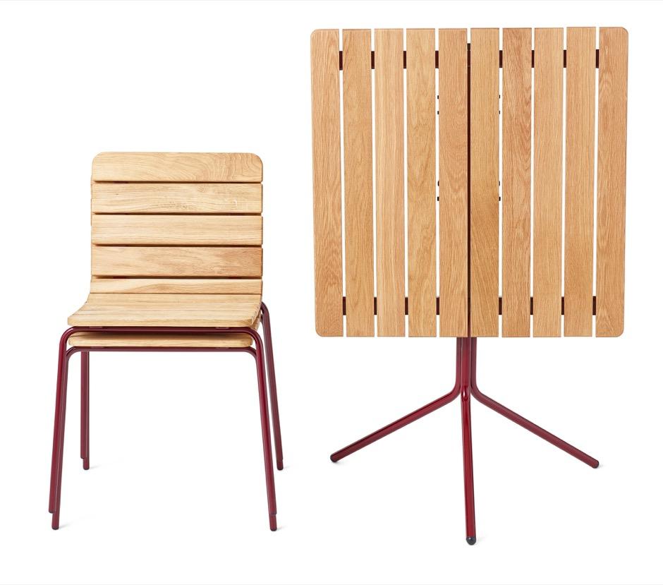 11th tafel gemaakt van houten latten