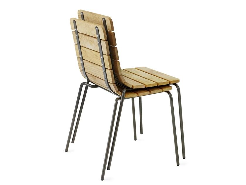 11th stoel is stapelbaar