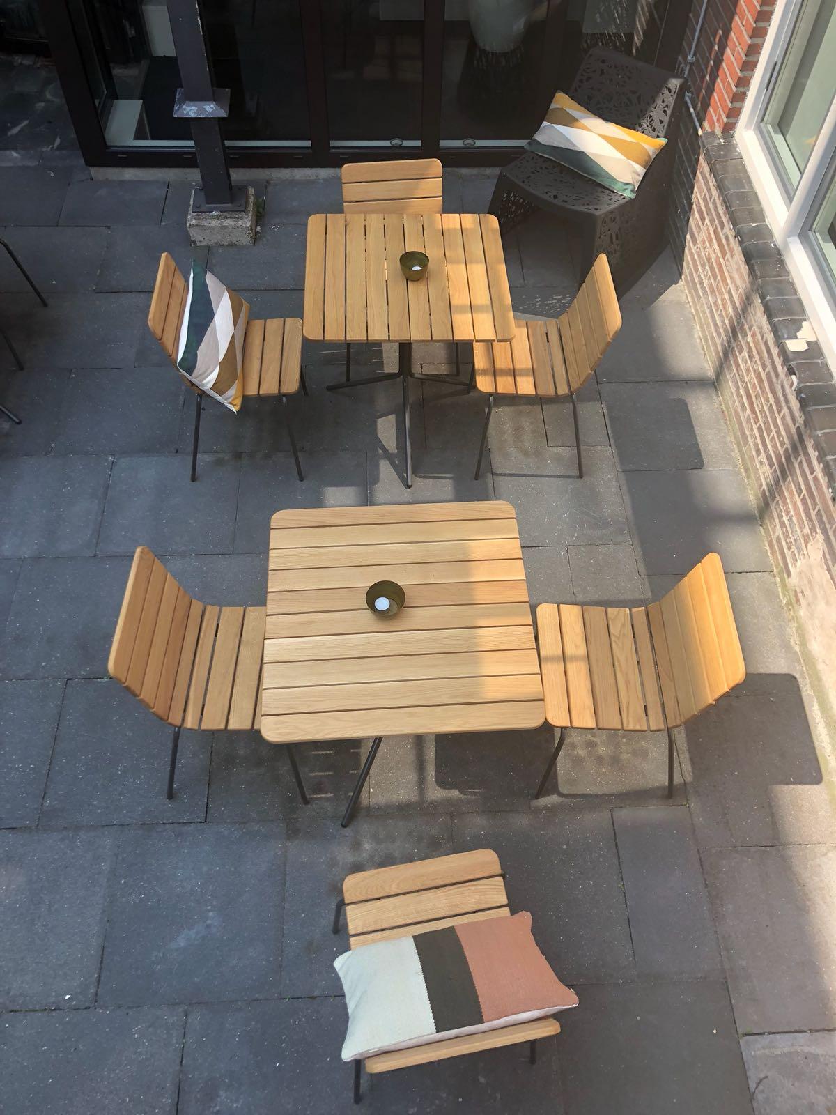 11th stoel met bijpassende 11th tafel