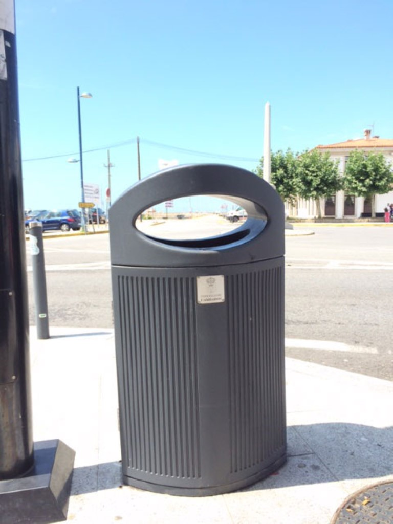 Afvalbak Ibiza is sterk en gebruiksvriendelijk
