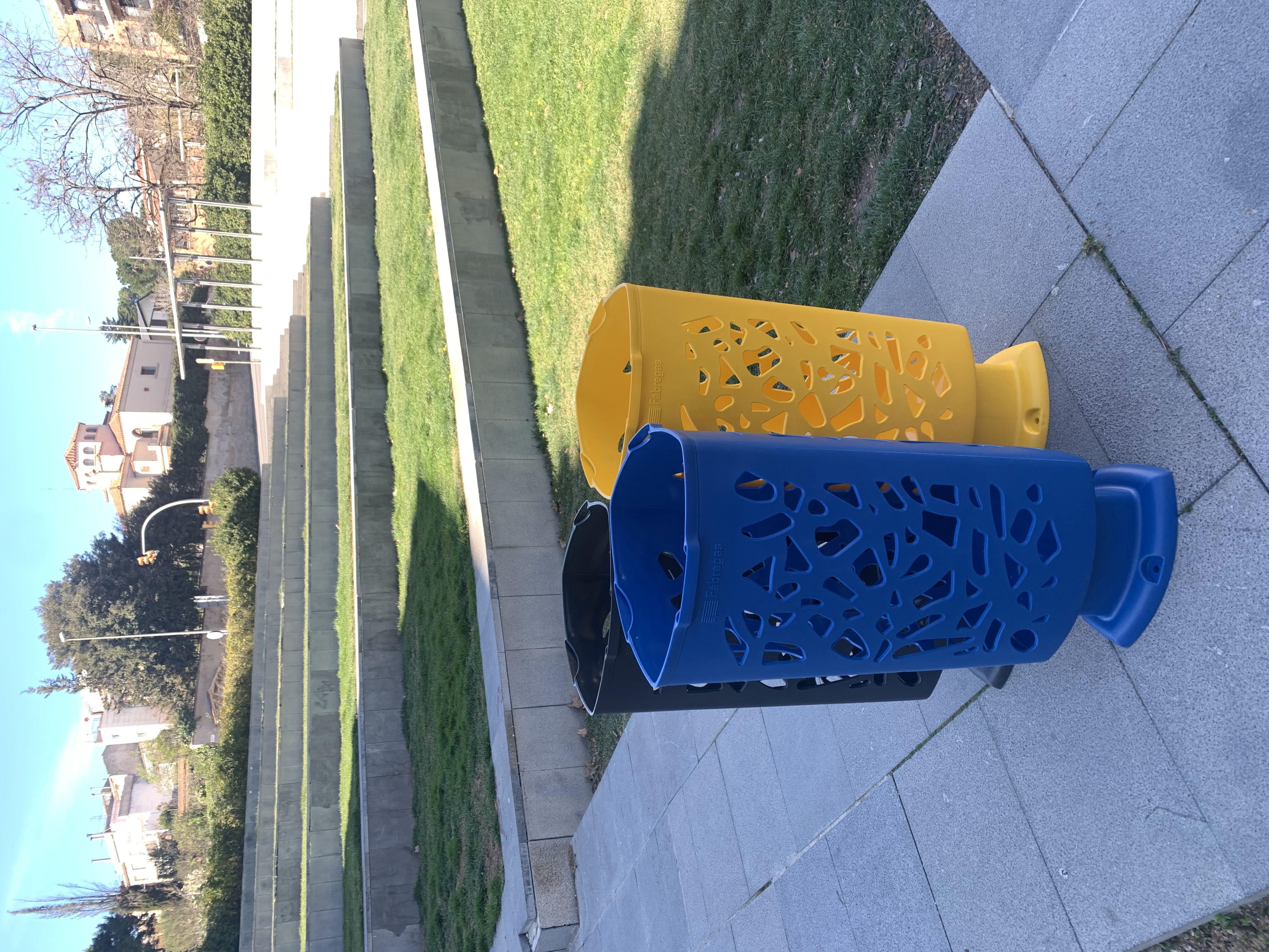 Afvalbak Scuderia nodigt uit om je afval weg te gooien