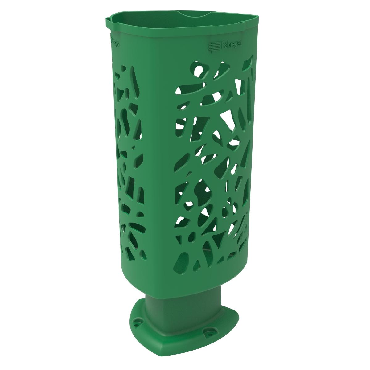 Groene afvalbak die uitnodigt tot het weggooien van afval