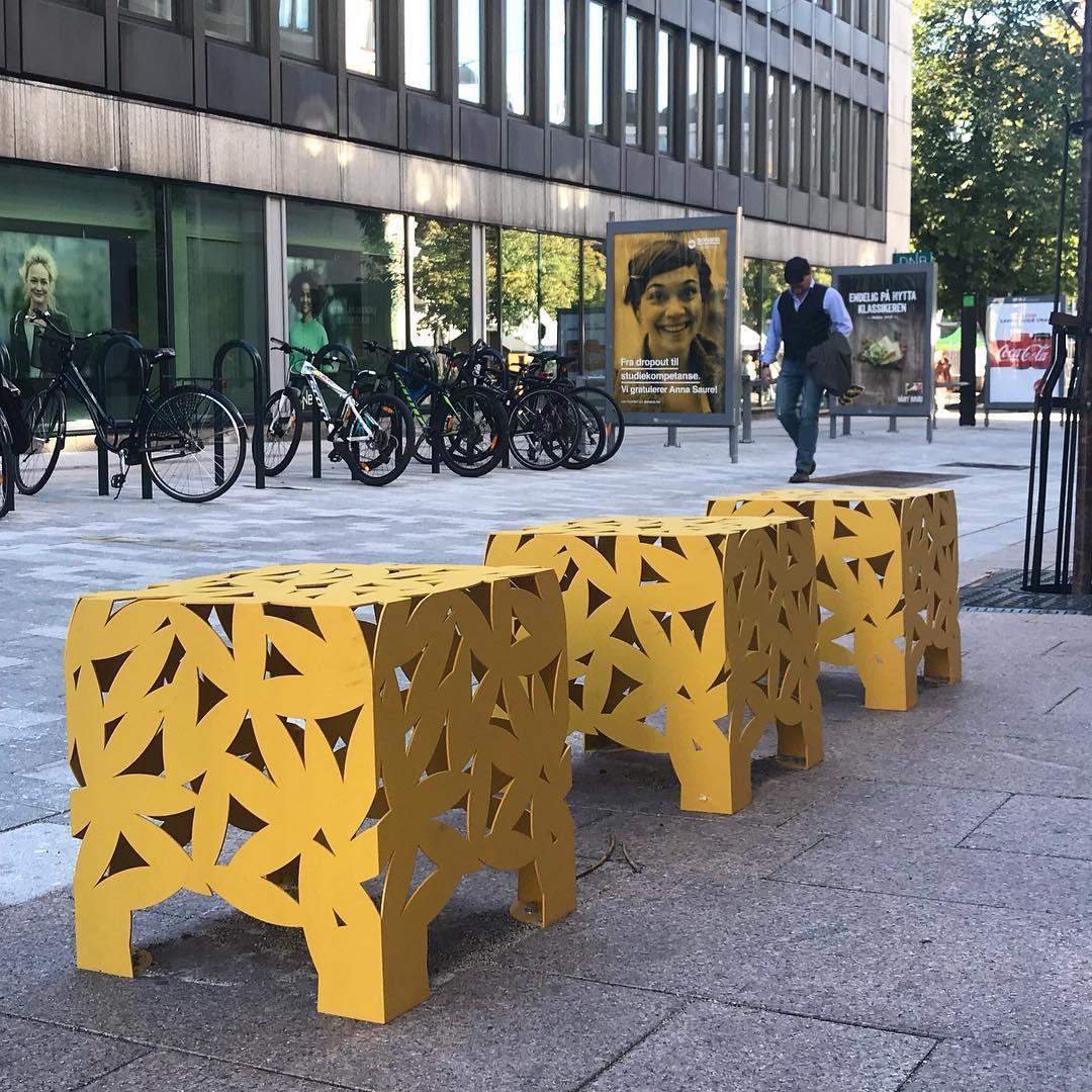 Big Bux kruk / tafel voor openbare buitenruimte