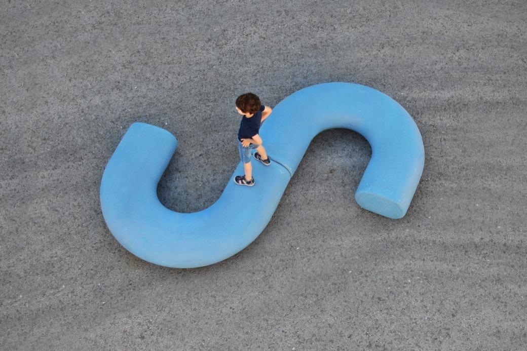 Caribou zitelement speciaal ontworpen voor schoolpleinen
