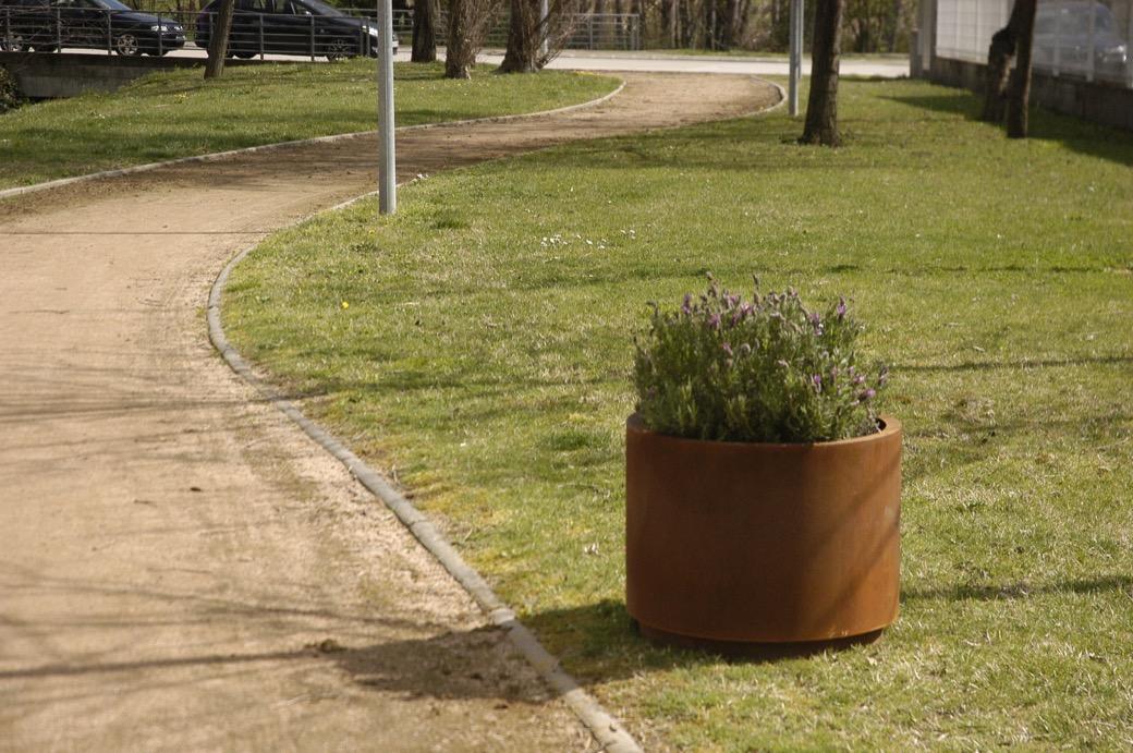 Cilar plantenbak - ronde, cylindrische bloembak van staal