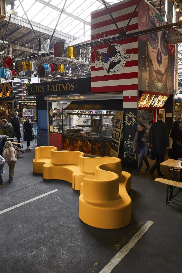 Cloverleaf zitelement voor de openbare ruimte