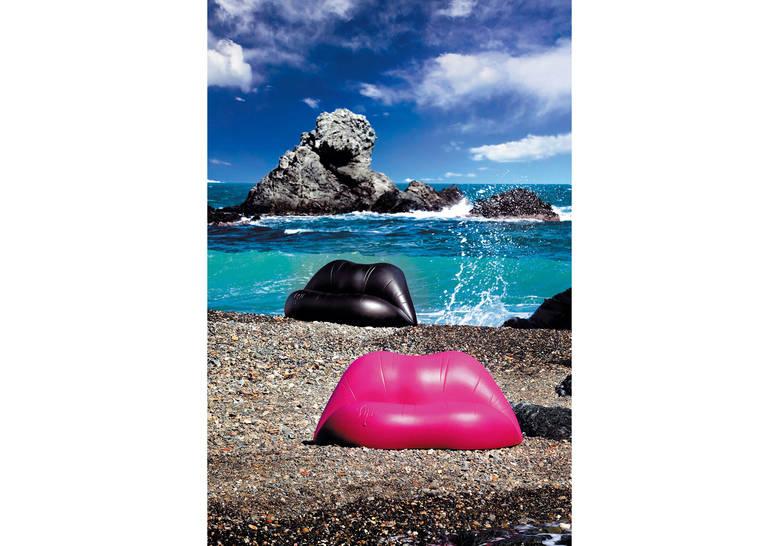 Dali lips bank in de vorm van rode lippen - zwart en roze