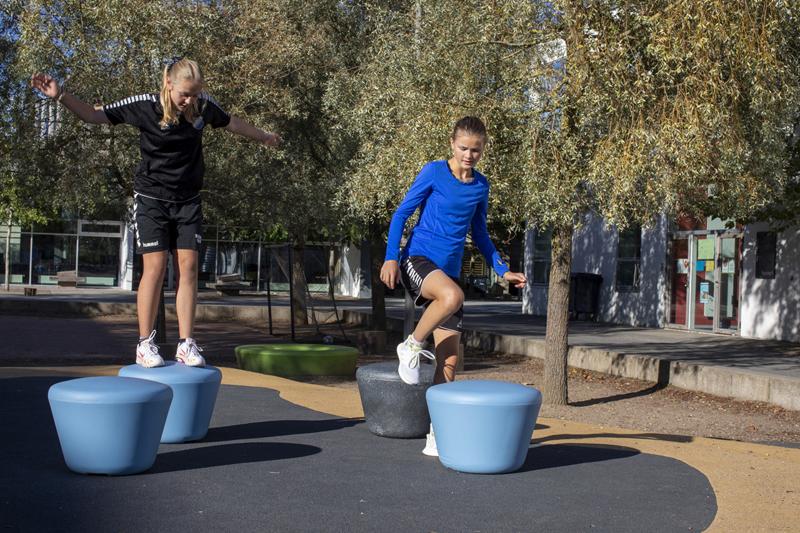 Loop Up zitelement ideaal voor schoolpleinen en parken