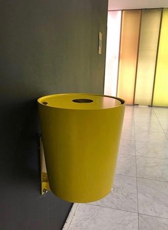 Hinken 40 afvalbak beschikbaar in verschillende kleuren