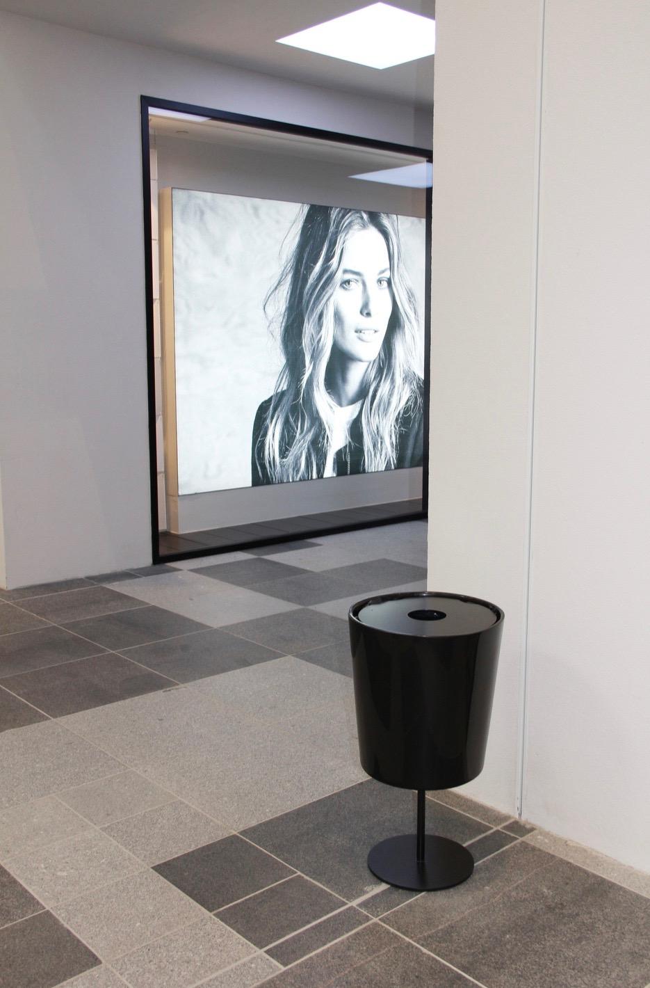 Hinken 40 afvalbak zwart voor kantoren en bedrijven