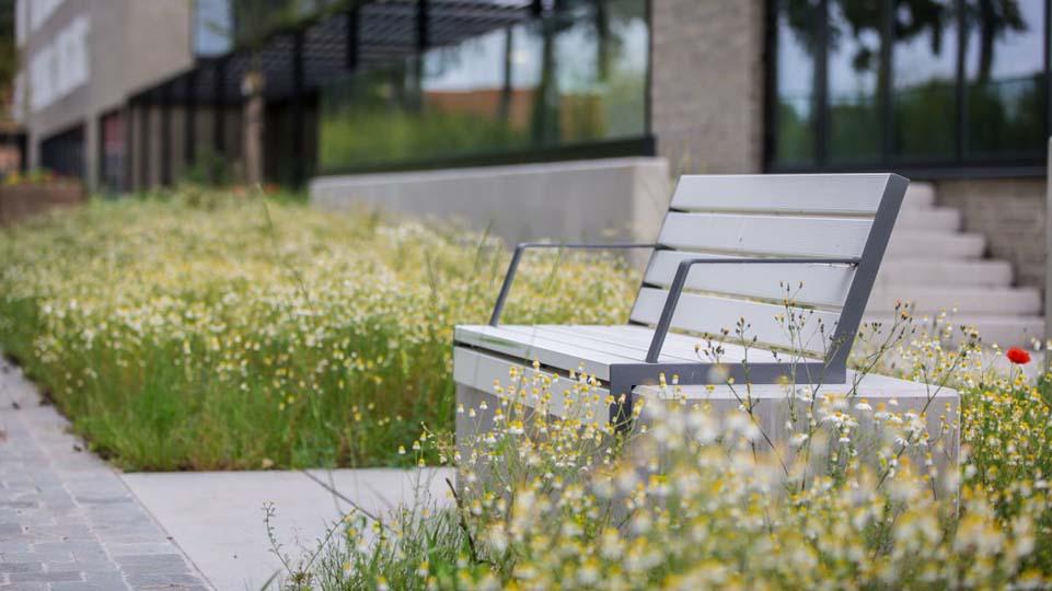 Hop Hop stoel voor parken, pleinen en openbare buitengelegenheden