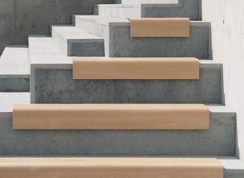 Il Posto bank om zitplaatsen te creëren op traptreden