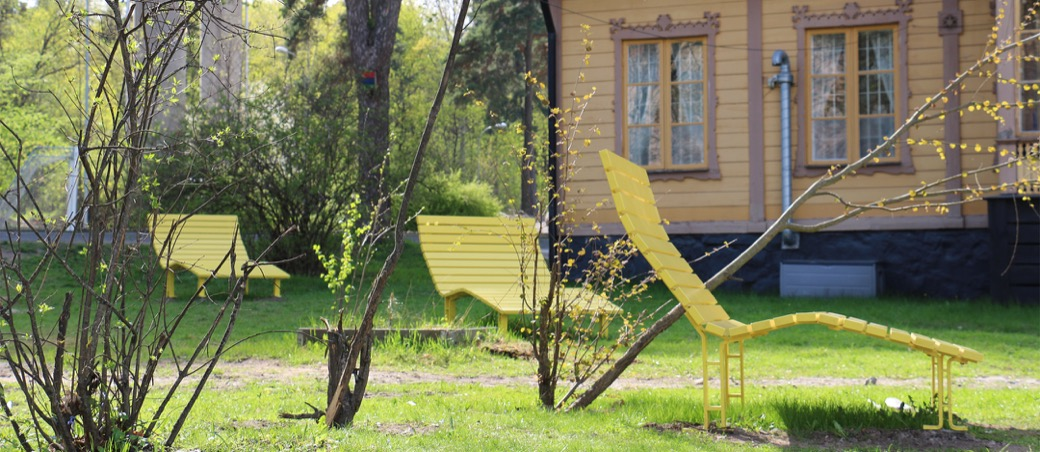 Kajen Loungebank geschikt voor speeltuinen en parken