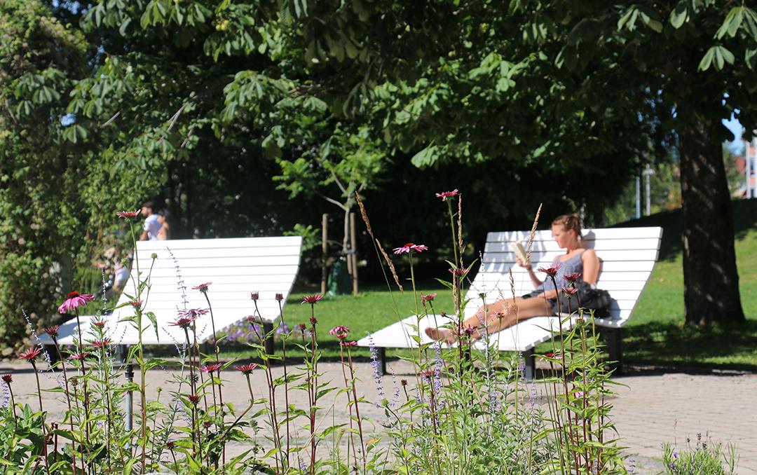 Kajen Loungebank om te rusten en relaxen