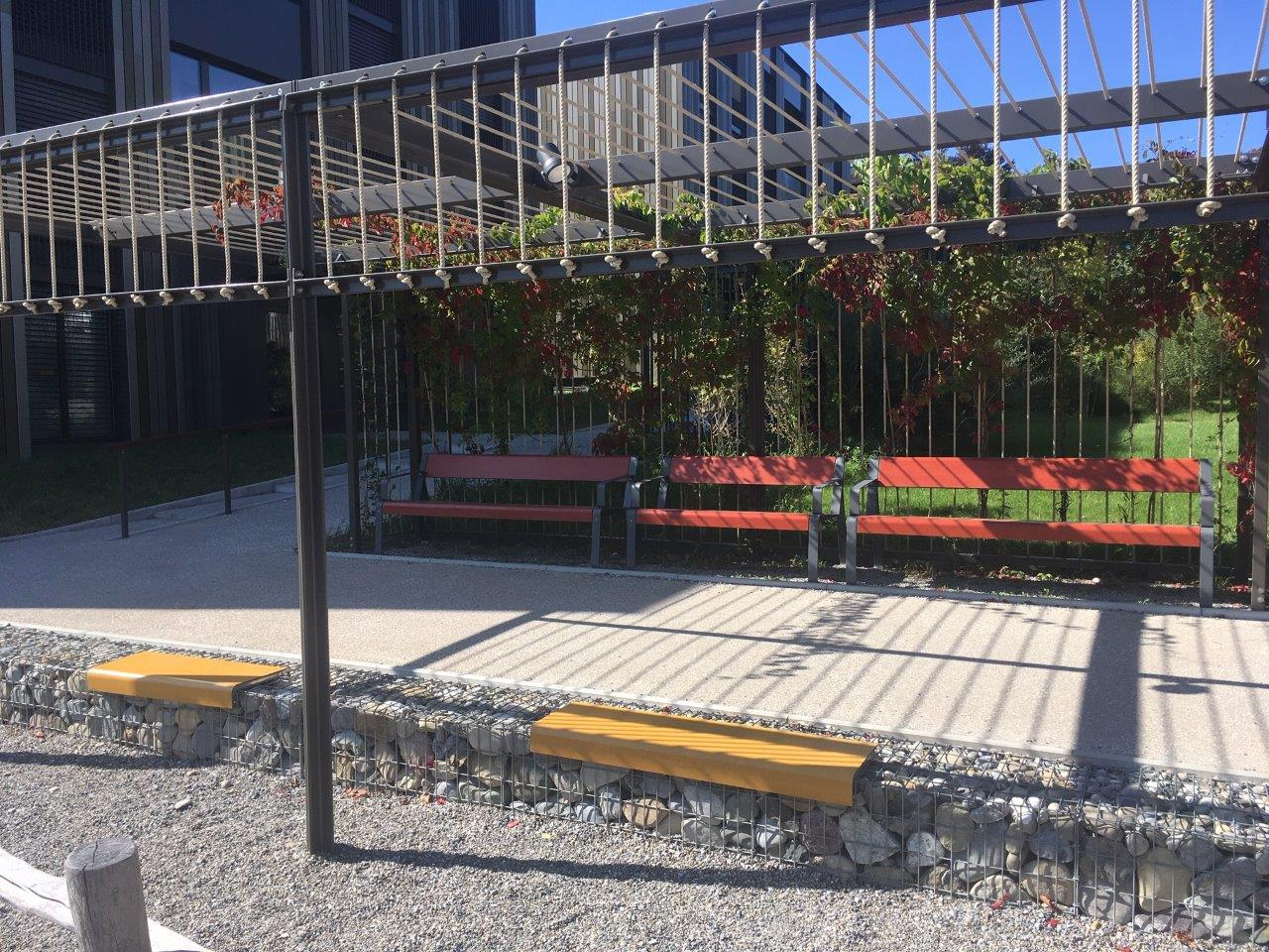 La Superfine bank voor een sfeervolle en rustgevende omgeving