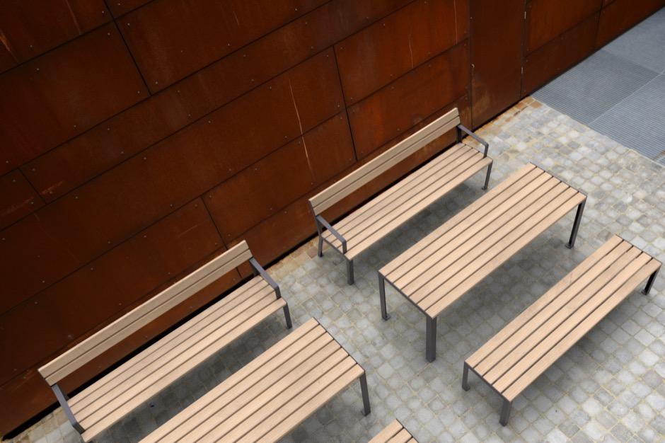 La Strada bank is samenstelling met de La Strada tafel