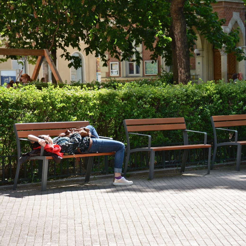 La Strada bank voor in parken of openbare pleinen