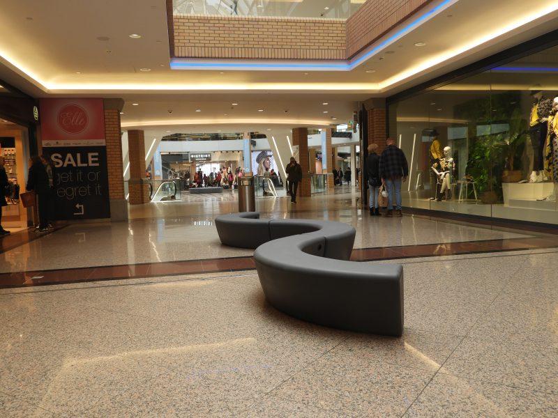 Loop Arc bank in winkelcentrum