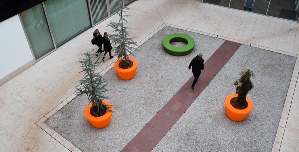 Loop Cone plantenbak geschikt voor planten, kleine bomen en struiken
