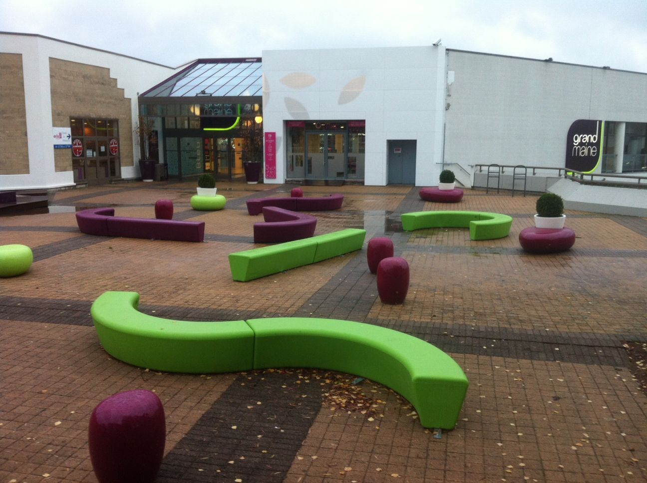 Loop Line Bank creëert een speelse en gezellige omgeving