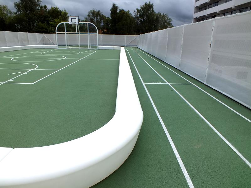Loop Line Bank om langs een sportveld te zitten