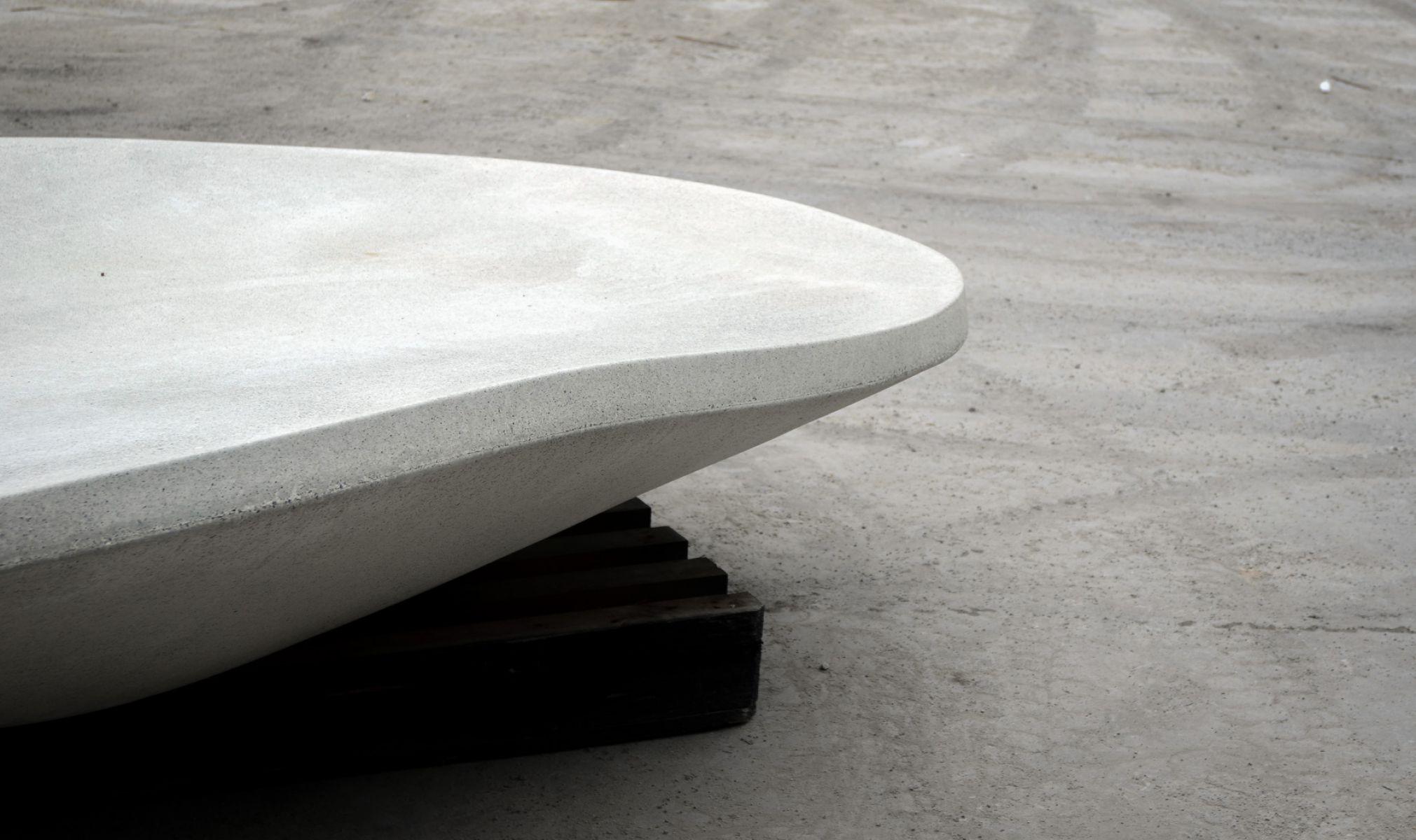 Núvol zitelement gemaakt van hoogwaardig beton