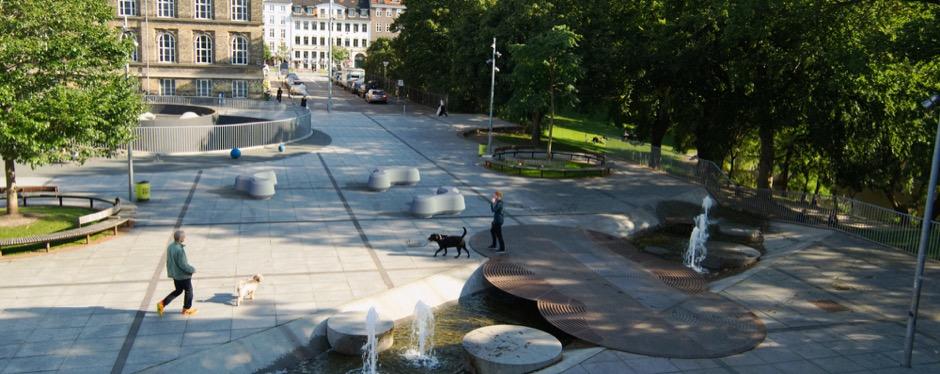 Obstruct zitelement voor in parken en pleinen