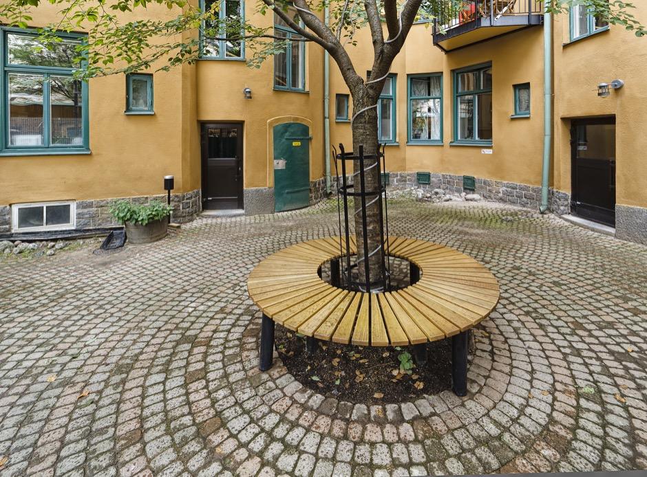 Orm bank geschikt voor pleinen en parken