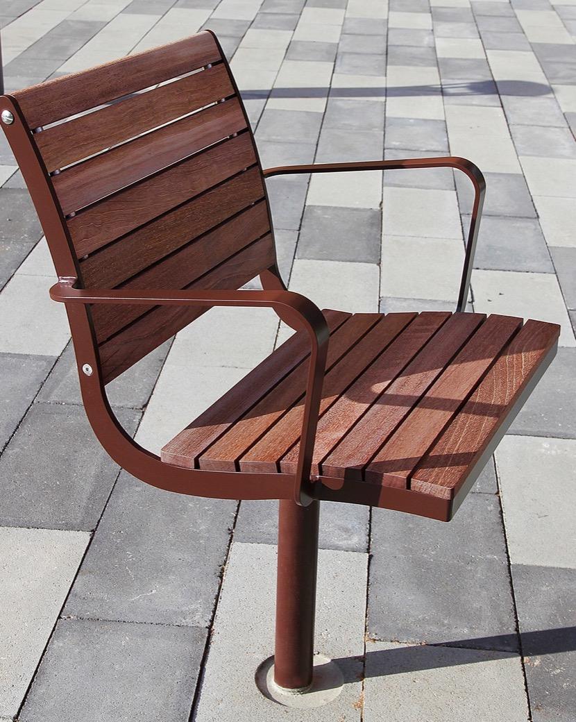 Parco stoel gemaakt van gecertificeerd FSC hout