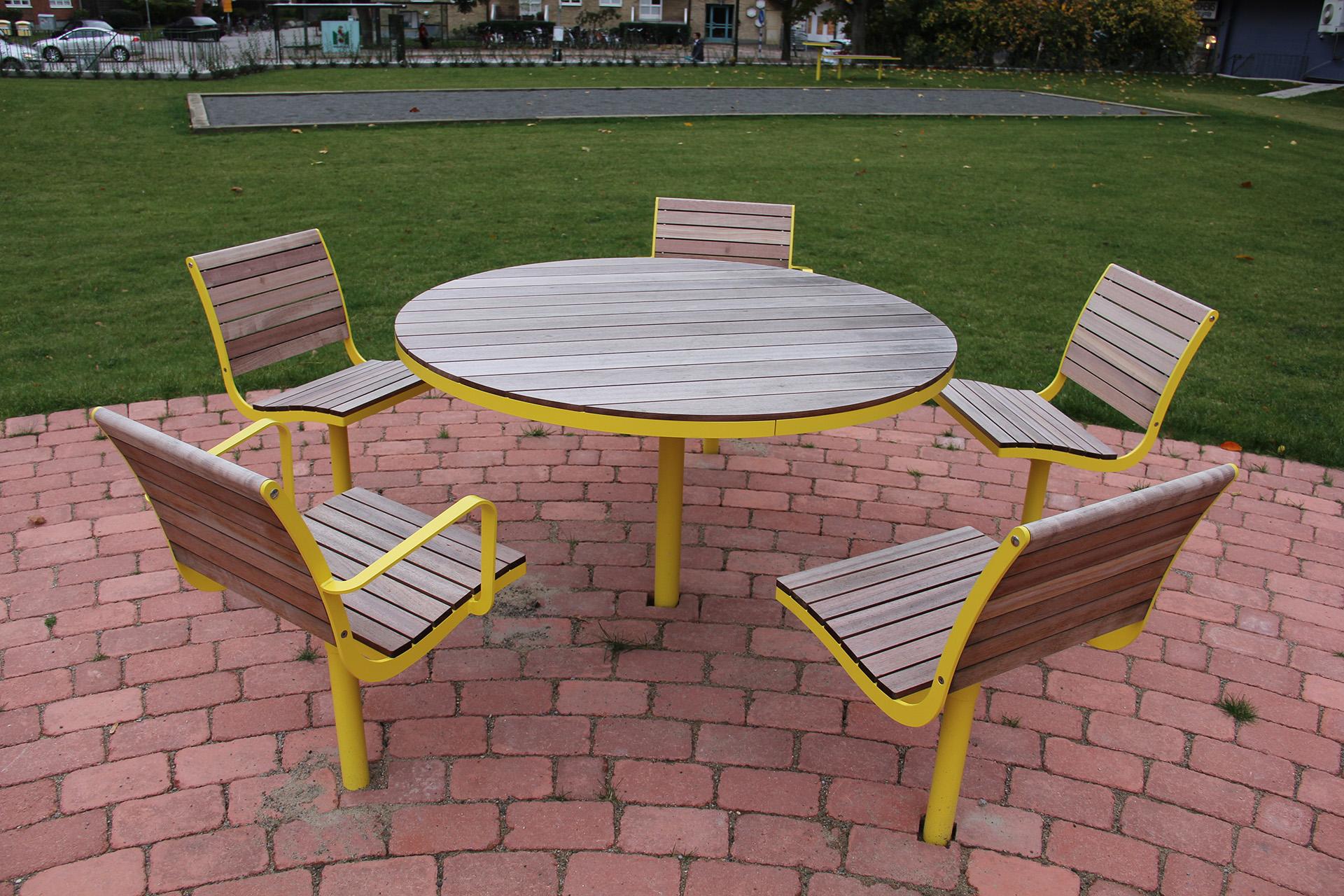 Parco stoel stijlvolle zitplek waar aan men kan samenkomen en uitrusten