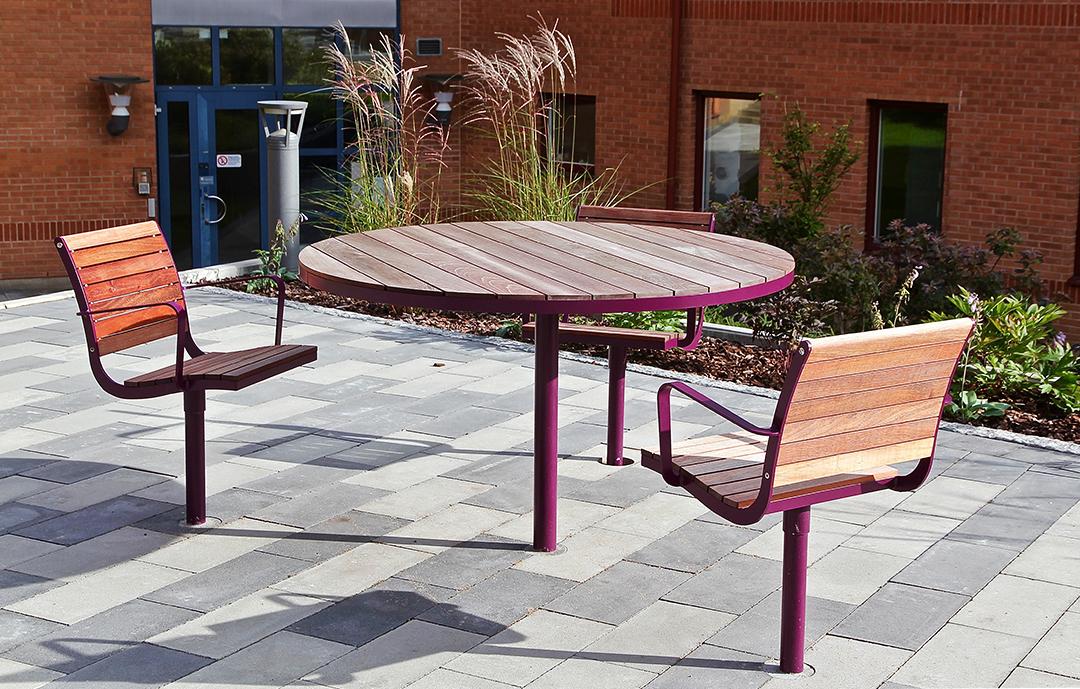 Parco tafel geschikt voor binnen- en buitenplaatsen van kantoren