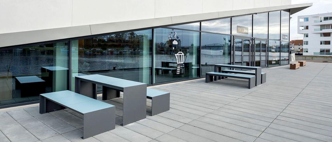 Passepartout HPL Tafel is geschikt voor binnen en buiten