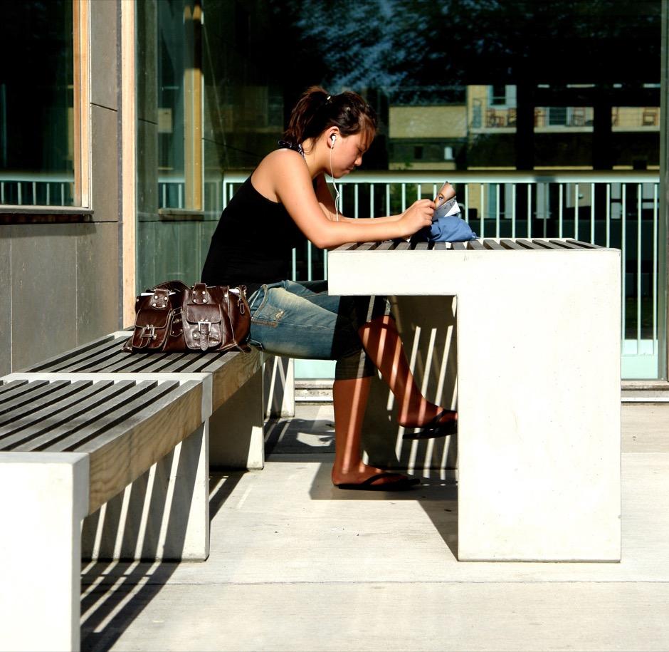 Paxa tafel vormt een ideale werkplek of rustplek voor universiteiten