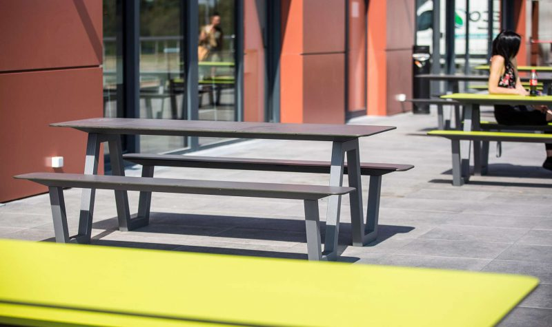 Picnic HPL picknicktafel gemaakt van HPL en gegalvaniseerd staal